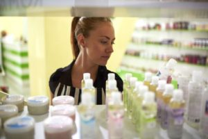 Selling Beauty Products Online: A Burgeoning Industry