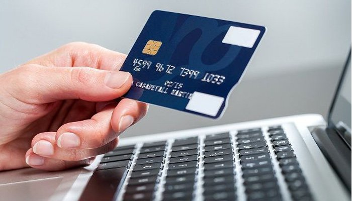 Should I Accept Visa or MasterCard for my Online Business?